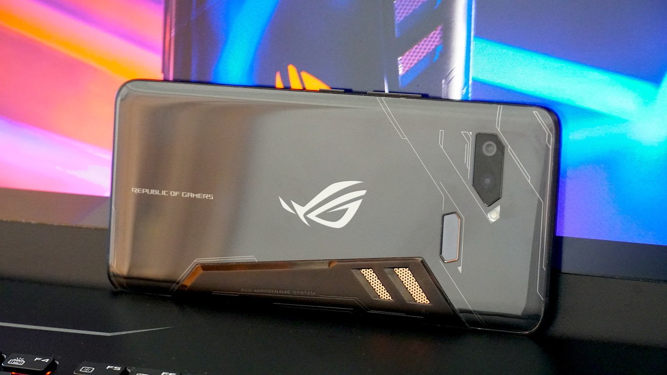 ASUS ROG Phone: If mobile gaming is a new way, ASUS starts it very well
