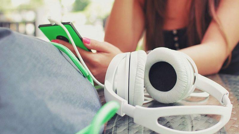 Choosing Headphones For Listening To Music