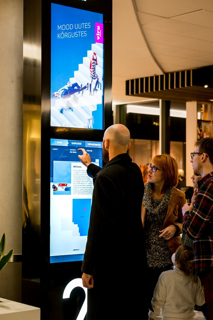 How Digital Signage Can Help Your Retail Brand